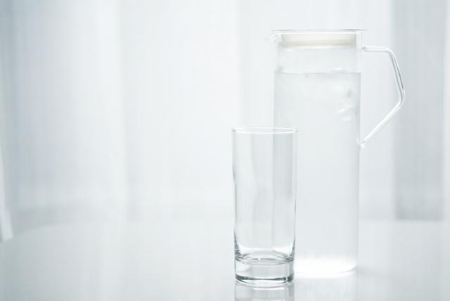 水を必ず1リットル以上飲むことも